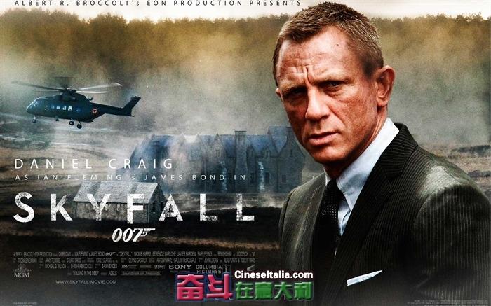 007_Skyfall_2012_Movie_HD_Desktop_Wallpapers_02_medium.jpg